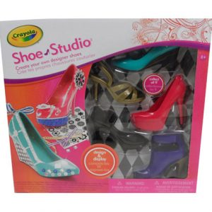 DESIGN AND DISPLAY SHOE STUDIO
